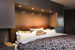 belysning-detaljer-garderobe-rundt-seng-soverom-brubakken-home-web-250c950px