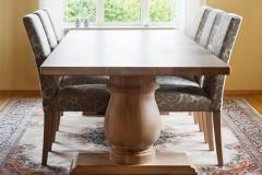 Bessie-bord-oljet-med-Trendy-stoler