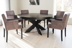 Cross table with Habibo armchairs