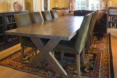 Cross-table-with-trendy-chairs