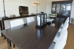 Fly table with vitrine I