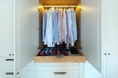 garderobe-soverom-detalj-klesstang-lys-brubakken-home-09