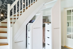 Garderobe under trapp8252_ok