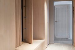 garderobe-fornebu-5-entre-spiler-sittebenk-foto-ak-engbakken-brubakken-home-670x1000px-web