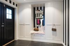 Garderobe i hall sort og hvit8801