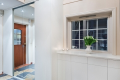 Garderobe i hall4355
