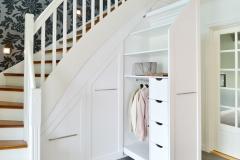 Garderobe under trapp8251_ok