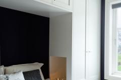 Garderobe rundt seng5376
