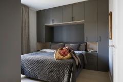 garderobe-rundt-seng2-soverom-design-mondo-interior-sandakerveien-foto-ak-engbakken-brubakken-home-web