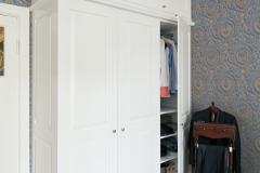 Garderobe høy8402