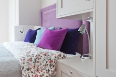 Garderobe rundt seng01111