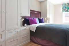 Garderobe rundt seng01124_utsnitt