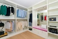 Walk in wardrobe242
