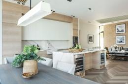 kjokken-lys-eik-marmor-hytte-Sandefjord15-foto-nordstrom-brubakken-home-web