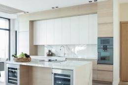 kjokken-lys-eik-marmor-hytte-Sandefjord2-foto-nordstrom-brubakken-home-web