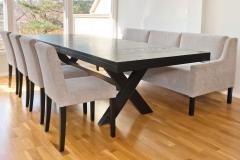 Line-sofabord-med-Cross-spisebord-og-Trendy-stoler3020_med_en-ileggsplate