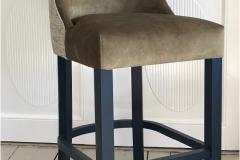 lyx-barstol-front-gronn-brubakken-home-950x1250px6