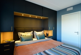 garderobe-rundt-seng-eikefiner-brubakken-home