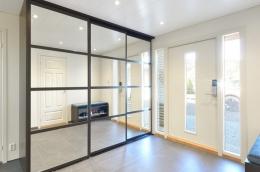 detaljer-hall-entre-gang-skyvedor-garderobe-brubakken-home-web-250c950px