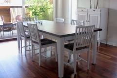 trendy-spisebord-hvitmalt-beiset-plate-brubakken-home-web